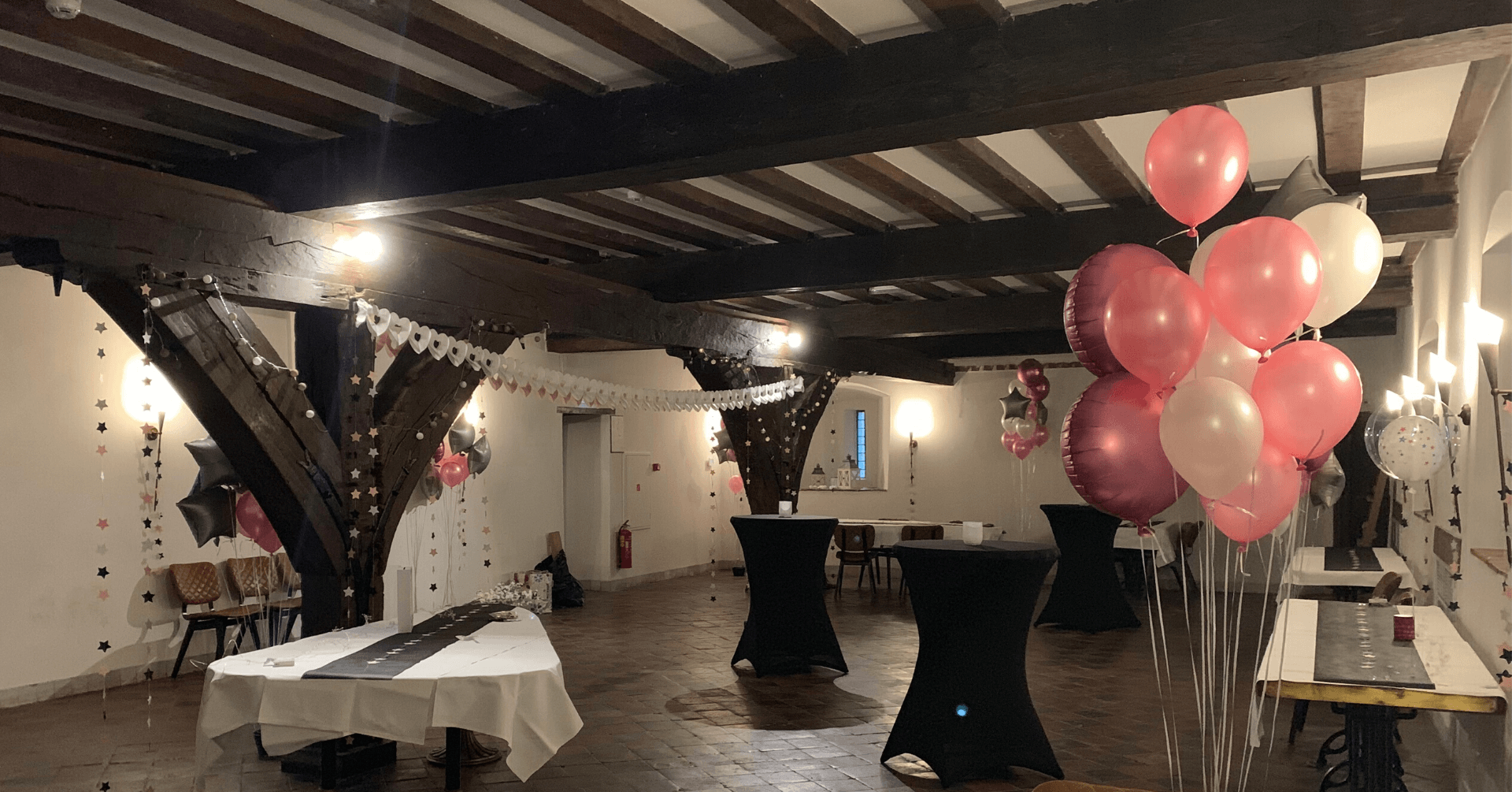 Radboud Castle-Baby shower decorations in the Grand Tavern